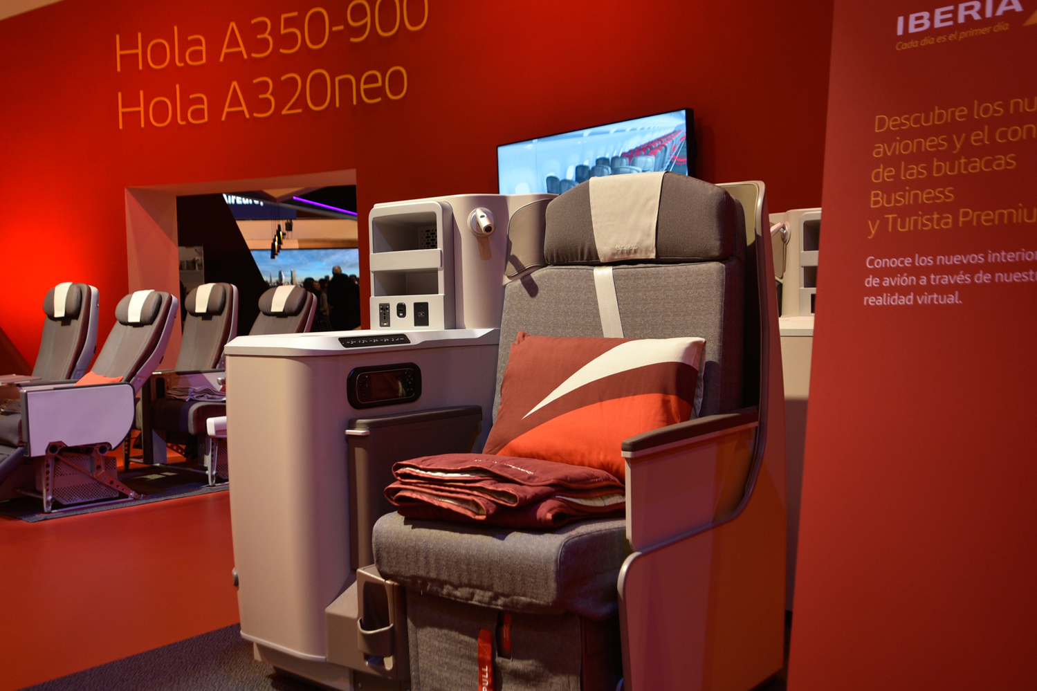iberia-airbus-a350-business-class-seat-2000a